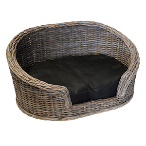 UK Stove Fans pet basket with cushion for cats and dogs